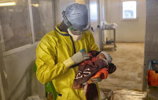 Flere overlevende efter ebola kæmper stadig med fysiske eller psykiske problemer.