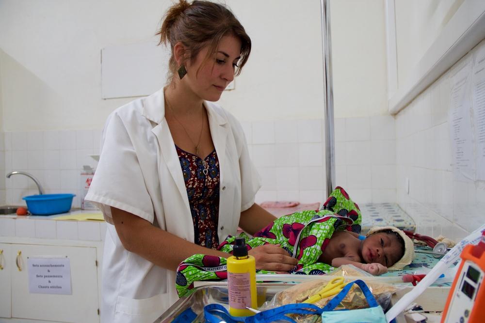 Mødredødeligheden er høj i Elfenbenskysten, og derfor fokuserer Læger uden Grænser især på gravide og børn i landet.